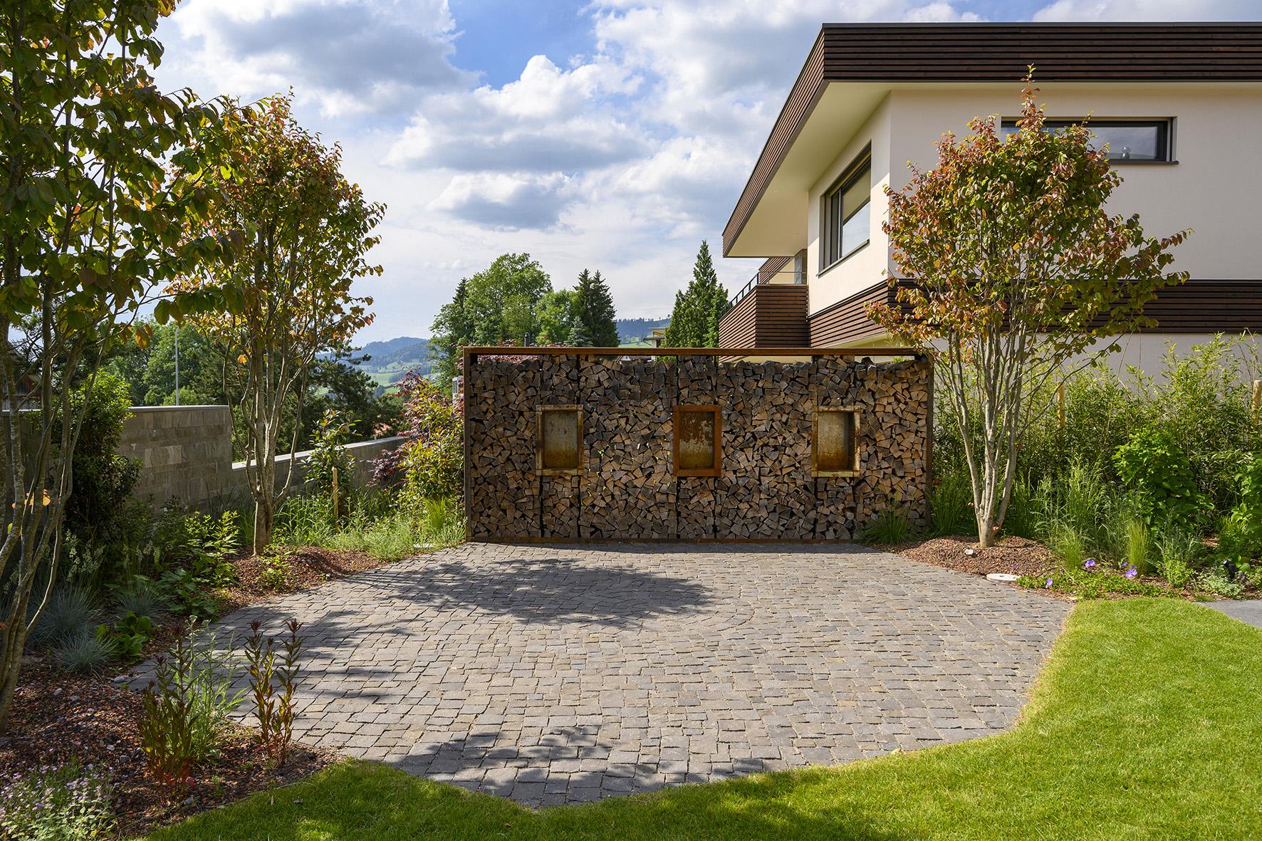 Gartensitzplatz mit Sichtschutz